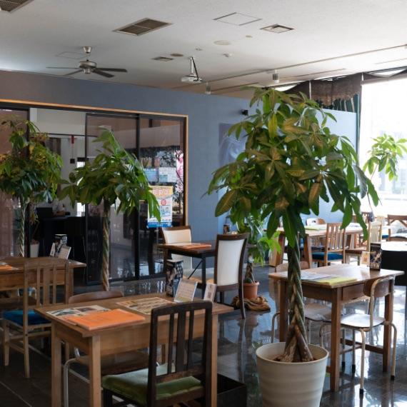 栃木県宇都宮市Carfe(カーフェ)自動車の修理・傷・へこみを格安で   店内画像スクエア