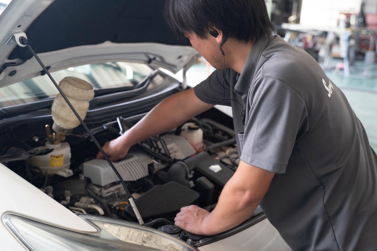 栃木県宇都宮市Carfe(カーフェ)自動車の修理・傷・へこみを格安で | 車の修理をする人