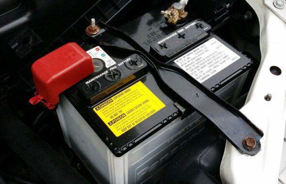 車のバッテリーの寿命はどれくらい?交換時期を見分けるポイント