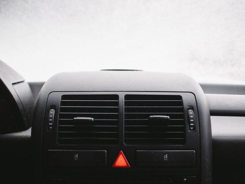 栃木県宇都宮市Carfe(カーフェ)自動車の修理・傷・へこみを格安で | 車内のエアコンフィルター